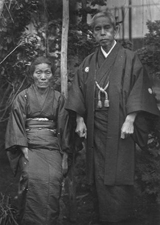 小林栄と俊夫人